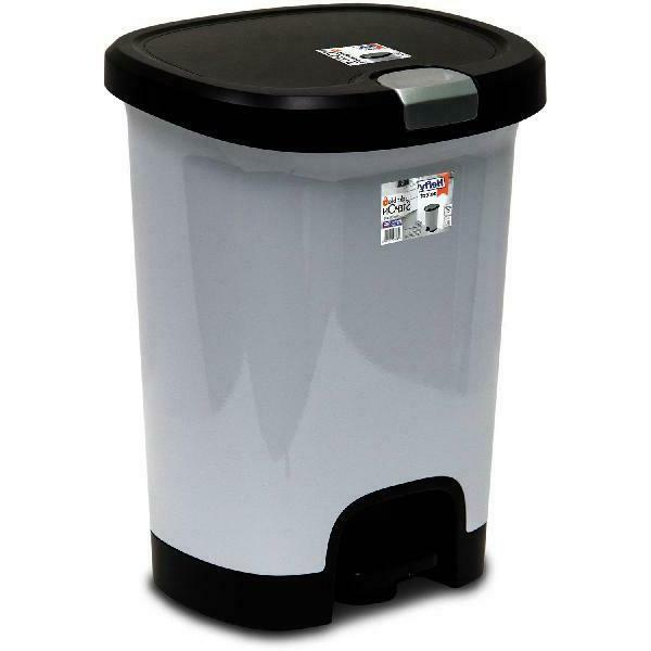 Hefty 7-Gallon Textured Step-On Trash Can with Lid Lock and