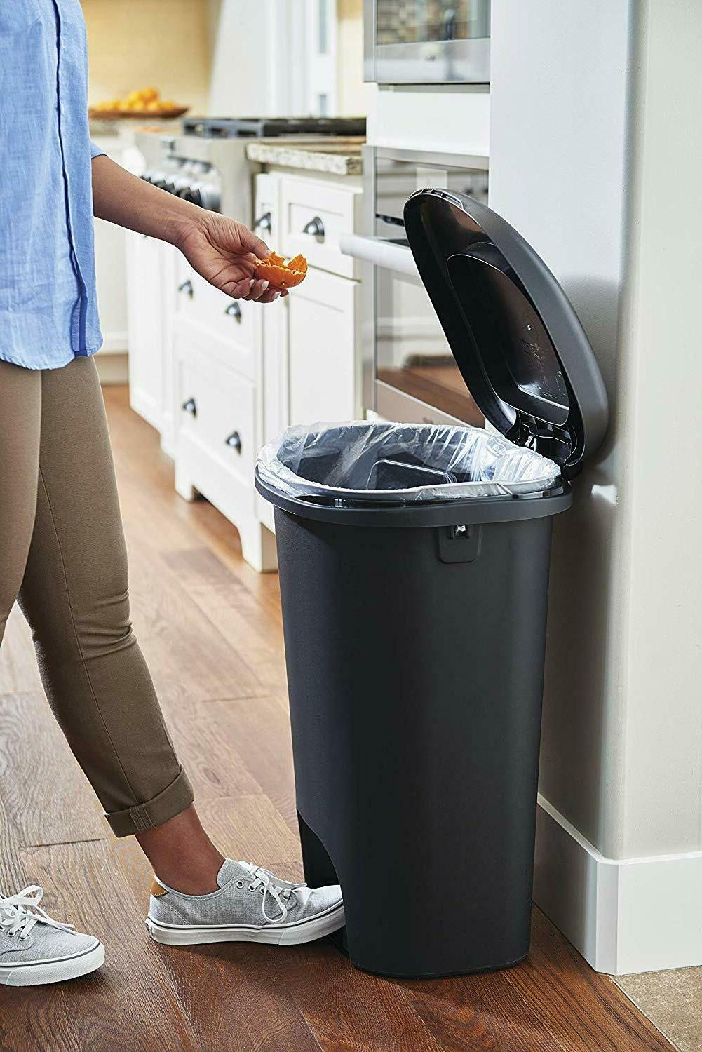 rubbermaid step-on lid trash can for home,kitchen,bathroom