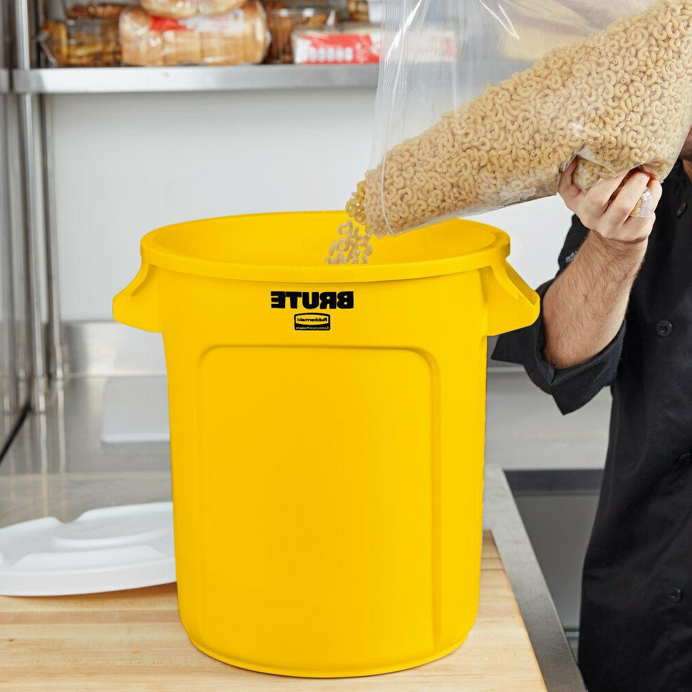 Rubbermaid Products Garbage 55 Gal Bin Can, Lid