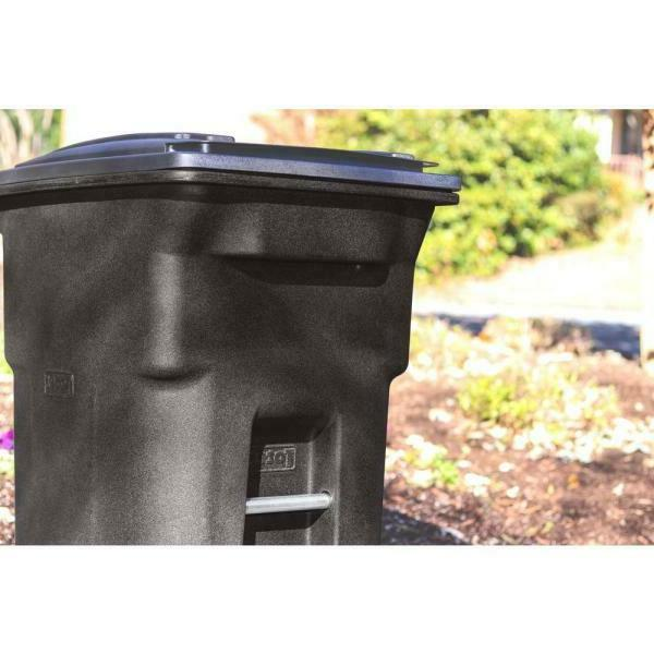 New Trash Can Fast Shipping...