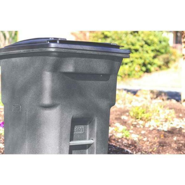 New 64 Trash Can with Wheels and Lid -